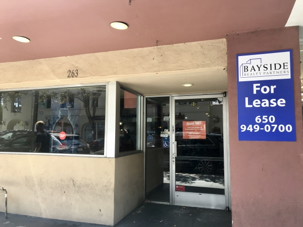 Round Table Pizza Bites The Dust In Downtown Palo Alto
