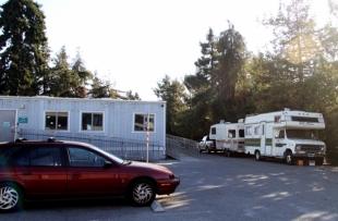 Palo Alto strikes down car-camping ban   News   Palo Alto