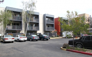 Seniors Oppose 39 Ugly Depressing 39 New Colors At Palo Alto Apartments