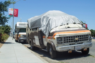City to crack down on El Camino RVs | News | Palo Alto Online |
