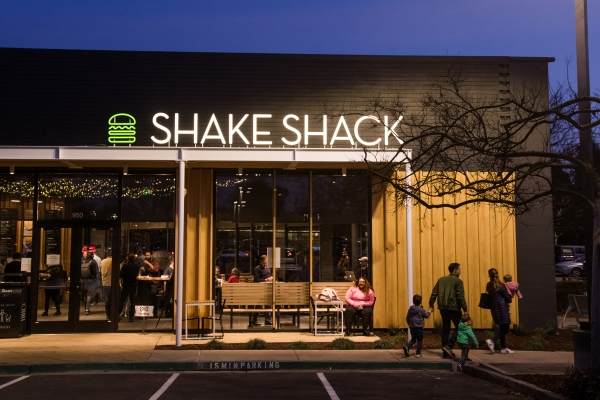 Shake Shack Palo Alto To Open This Weekend News Palo Alto Online