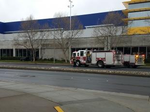 Car crashes into ikea in east palo alto news palo alto for Ikea in east palo alto