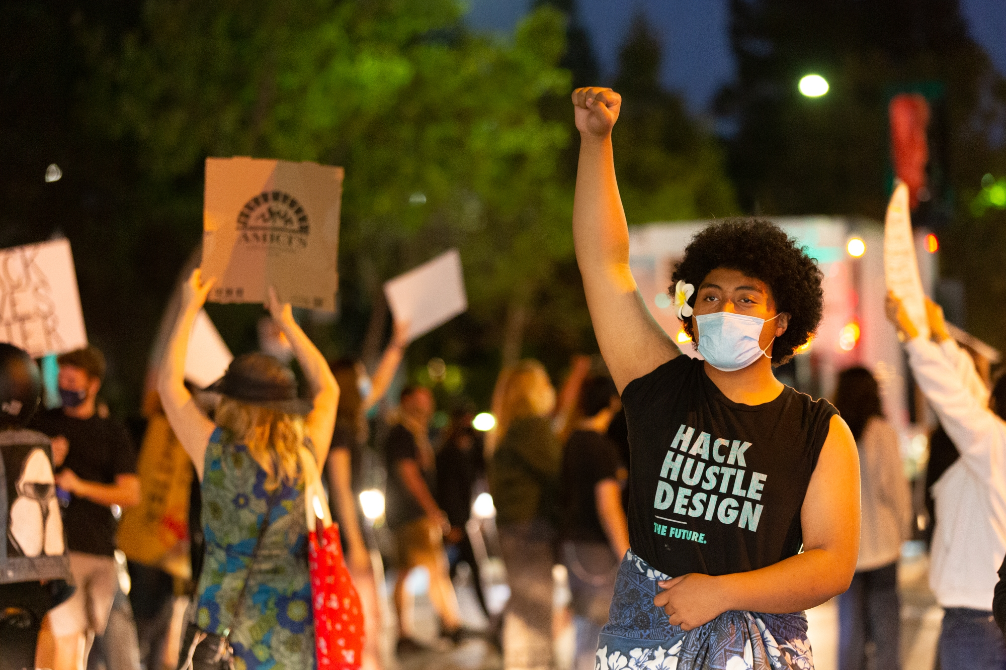 Protesters Demanding Justice For Breonna Taylor Stop Traffic In Menlo Park News Palo Alto Online